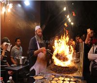 فيديو | ملوك الأكل الشعبي| «عز المنوفي» يكشف سر خلطة أطعم سندوتش كبدة