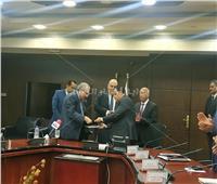 كامل الوزير يشهد توقيع عقد توريد 50 جرارا جديدا
