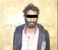 ننشر أول صورة للمتهم بقتل شقيقه ودفنه أسفل المنزل في منشأة القناطر
