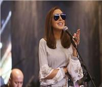 زوج أنغام يكشف سر «النظارة السوداء» في حفل الكويت
