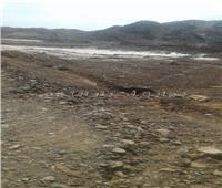 أمطار غزيرة وسيول تقطع طريق قرية أبرق بالشلاتين