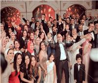 صور| هشام عباس والليثي ودينا نجوم زفاف «محمود وزينب»