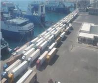 تداول 190 شاحنة و30 سيارة بموانئ البحر الأحمر