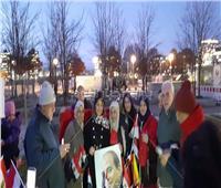 صور  «تورتة ولمة حلوة».. مصريون يحتفلون بعيد ميلاد السيسي في ألمانيا