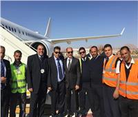 صور| وزير الطيران المدني يكرم رجال الخدمات الأرضية بمطار شرم الشيخ