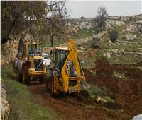 جرافات الاحتلال الإسرائيلي تتوغل بشكل محدود جنوب قطاع غزة
