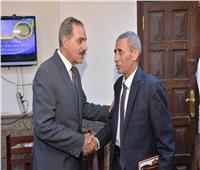 محافظ أسيوط يكرم رئيس مركز أبوتيج لبلوغه سن المعاش