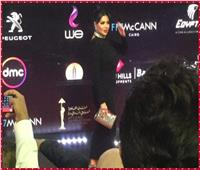 رانيا يوسف تتألق بإطلالة «غير تقليدية» بمهرجان القاهرة السينمائي