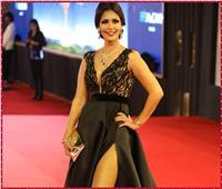 صور| بسمة تتألق بإطلالة أنيقة في افتتاح مهرجان القاهرة السينمائي
