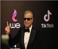 صور| شريف منير يثير الجدل بنضاره سوداء في افتتاح مهرجان القاهرة السينمائي
