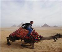 وزير التجارة الخارجية والسياحة لـ«بيرو» في جولة بالأهرامات