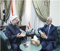 مفتي الجمهورية يشيد اختيار العيسائي عضوًا بالمجلس العماني