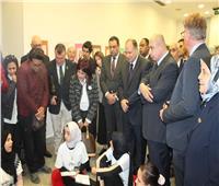 بمشاركة «العشماوي».. وفد دولي يتفقد معسكر «دوي» لتمكين البنات بالفيوم