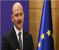 مشادة كلامية عنيفة بين وزير الداخلية التركي ونائب معارض بالبرلمان| فيديو