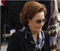 مصادر: منع الزيارة عن سوزان مبارك في العناية المركزة