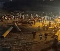 إنقاذ شخصين والبحث عن 3 آخرين بعد سقوط «تروسيكل» بمصرف المنصورة