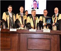 رئيس جامعة عين شمس يشهد حفل تخرج دفعة كلية تجارة 2019