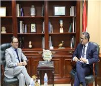 لقاء وزير الآثار و وزير التجارة و الخارجية و السياحة البيروڤي