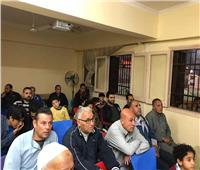 صور.. أهالي كفر شكر بالقليوبية يتجمعون على مراكز الشباب لمشاهدة المباراة النهائية