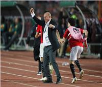 شوقي غريب يهدي كأس إفريقيا إلى الرئيس السيسي لهذا السبب
