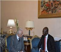 وزير التربية والتعليم يلتقي نظيره بجنوب السودان لبحث التعاون بين البلدين