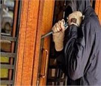 استمرار حبس عاطلين لاتهامهم بسرقة ربة منزل في مدينة نصر