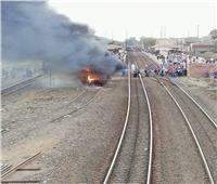 صور وفيديو.. السيطرة على حريق بعربة قطار بكفر الزيات دون إصابات
