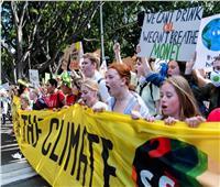 طلاب أستراليون يطلقون شرارة احتجاجات عالمية على تغير المناخ