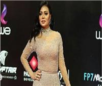 ناقد يعلق على فستان «رانيا يوسف» في ختام مهرجان القاهرة السينمائي
