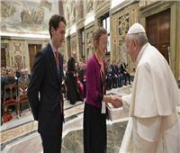 «بابا الفاتيكان» يلتقي رجال أعمال فرنسيين في القصر الرسولي