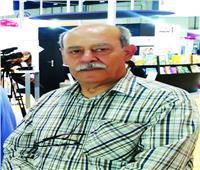 بروفايل| «صالح علماني» مزق أول رواياته بسبب «ماركيز»