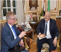 رئيس جامعة القاهرة يستقبل سفير الاتحاد الأوروبي بالقاهرة لبحث التعاون