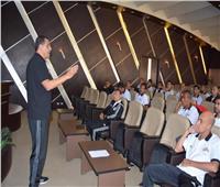 «الغندور» يقود جلسة التحليل الفني لأداء الحكام