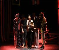 صور..«أصحاب السعادة» في مهرجان الإسكندرية المسرحي العربي