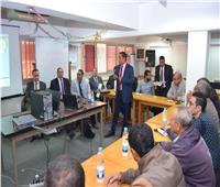 رئيس جامعة سوهاج يكرم 26 متدربا اجتازوا دورات «سلامة الغذاء»