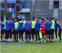 «فايلر» يعقد محاضرة فنية مع لاعبي الأهلي