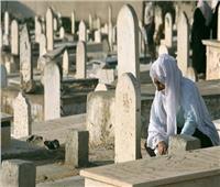 ما حكم الدعاء جهرًا على القبر بعد الدفن؟.. «الإفتاء» تجيب