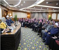 الإمام الأكبر يشيد بواعظات الأزهر.. ويؤكد نجاحهن في دعم الأسرة المصرية