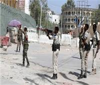 قوات الأمن الصومالية تقتل 5 مسلحين من حركة الشباب بعد هجوم على فندق