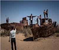 «الآرال»| حكاية بحر حولته يد الإنسان إلى «مقبرة للسفن»