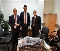 جمارك مطار القاهرة تضبط محاولة تهريب كمية من الشيش والسجائر الإلكترونية