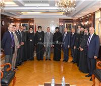 محافظ الإسكندرية يستقبل وفدا من دير ماري مينا وبيت العائلة والمجلس الملي