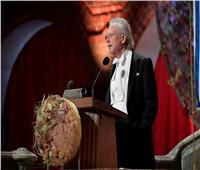 صور| وسط اعتراضات دولية.. بيتر هاندكه يتسلم جائزة نوبل للأدب