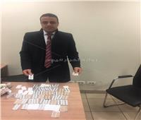 القبض على راكب هولندي حاول تهريب أقراص مخدرة بمطار القاهرة