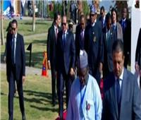 شاهد| لحظة وصول الرئيس السيسي لمنتدى السلام والتنمية في أسوان