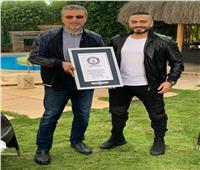 """تامر حسني: فخور بكوني مصري عربي يدخل موسوعة """"جينيس"""""""