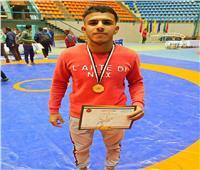 ابن جامعة القناة يحصد الميدالية الذهبية ببطولة الجمهورية للمصارعة الحرة
