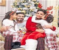 «بيجامة بارتي»| هكذا احتفل خالد سليم مع أسرته بالكريسماس