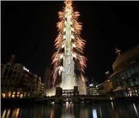 صور| حشود كبيرة تشهد احتفال رأس السنة من محيط برج خليفة