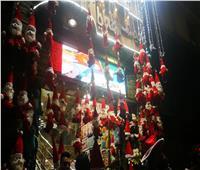 فيديو وصور| تحدوا برودة الطقس.. المصريون يحتفلون بالعام الجديد في وسط البلد